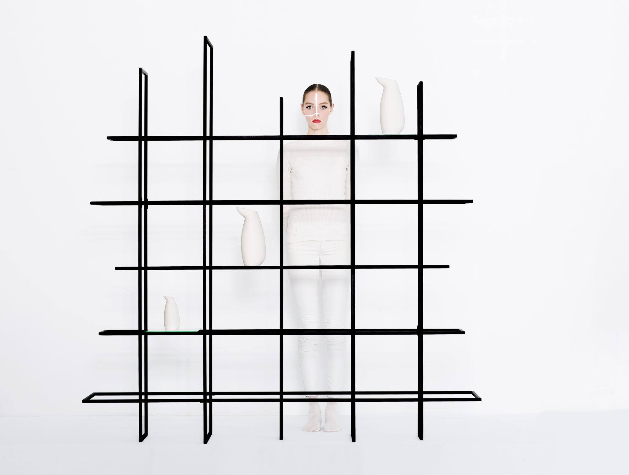 Frames 2.5_metalen_wandrek_boekenkast_room-divider
